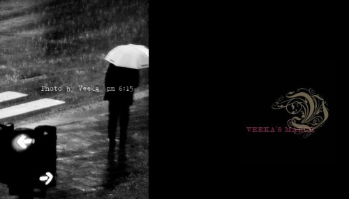 手绘女生伤感淋雨背影