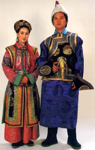 蒙古族的服饰主要有头饰