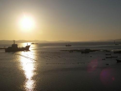 大长山岛位于长山群岛中部,是长海县政府所在地.