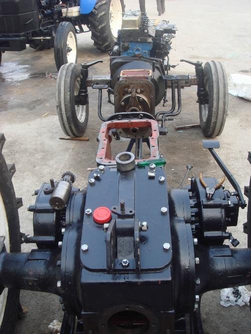拖拉機后橋結構圖_拖拉機驅動橋結構圖,拖拉機轉向橋結構圖圖片;