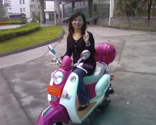 一带美女布鞋美图美女骑摩托布鞋美女美女骑摩托车