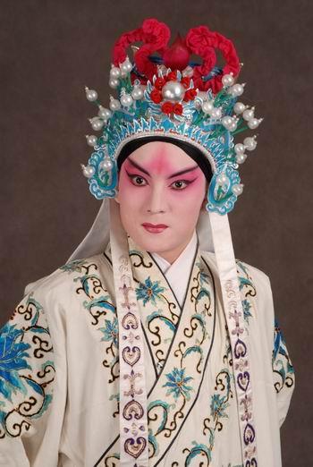京剧一半浓妆一半素颜古风图