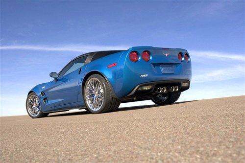 雪佛兰正式发布考维特zr1 预计售10万美元 雪佛兰suv科帕奇高清图片