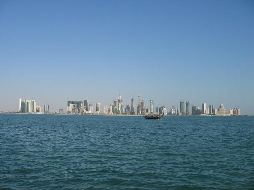 不起眼的二层楼就是卡塔尔半岛电视台 &