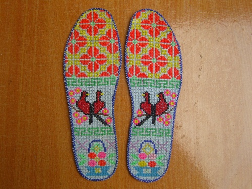 妈妈的十字绣鞋垫