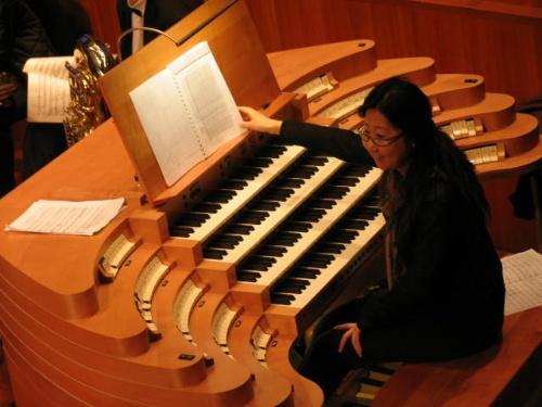 管风琴演奏台谱架上图片